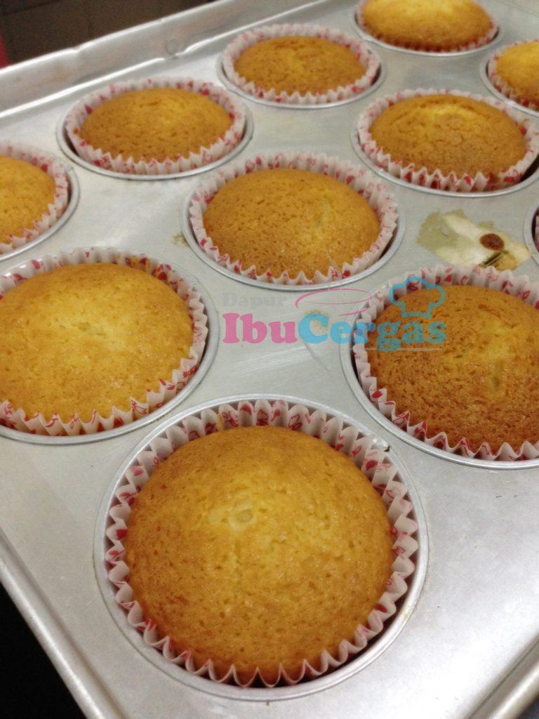 Resepi Vanila Cupcake Gebu Sedap Dan Cair Di Mulut Dapur
