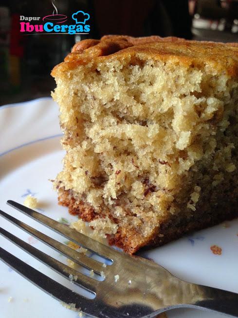 Kek Pisang Lembut Dan Moist Banana Cake